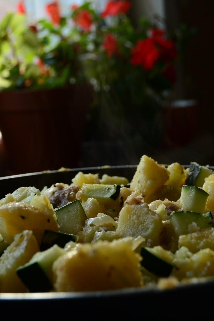 peruna-sipuli-kesäkurpitsapannu