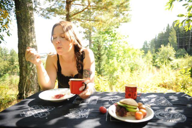 Aamu käyntiin puurolla! Tuoreet luomuhiutaleet tekevät puurosta nautinnon, se on eri ruokalaji kuin kaupanryyneistä keitetty liisteri.