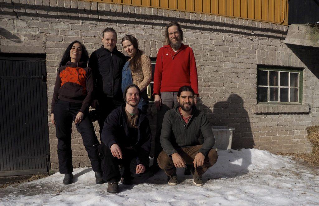 Oma maassa on ollut maaliskuusta lähtien 6 työntekijää: Ruby, Jukka, Ulla, Jon, Joel ja Jan.
